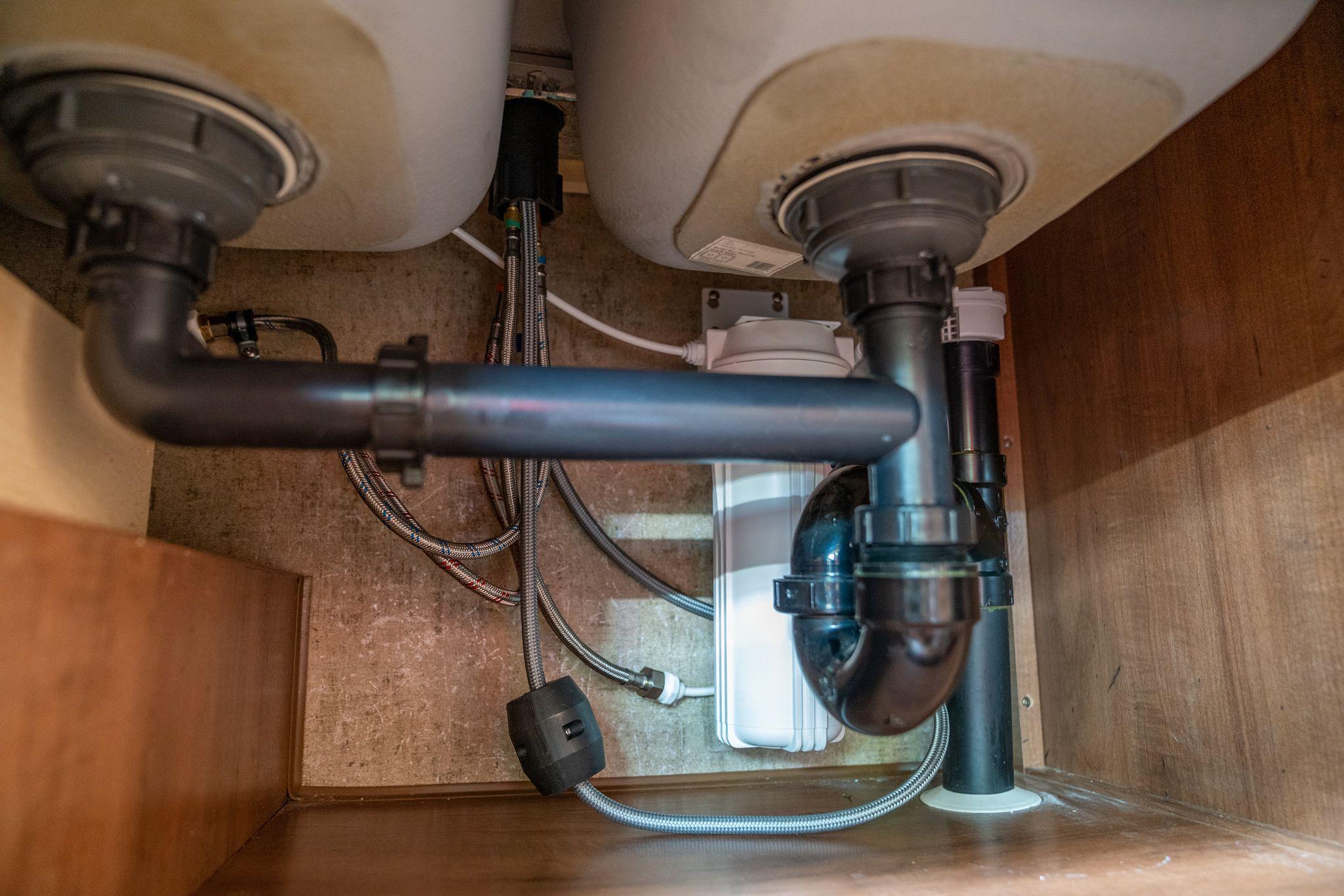 Faucet & Water Filter Plumbing