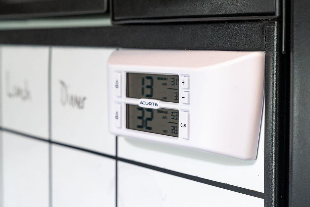 Monitoring RV Fridge & Freezer Temperatures with the AcuRite 986