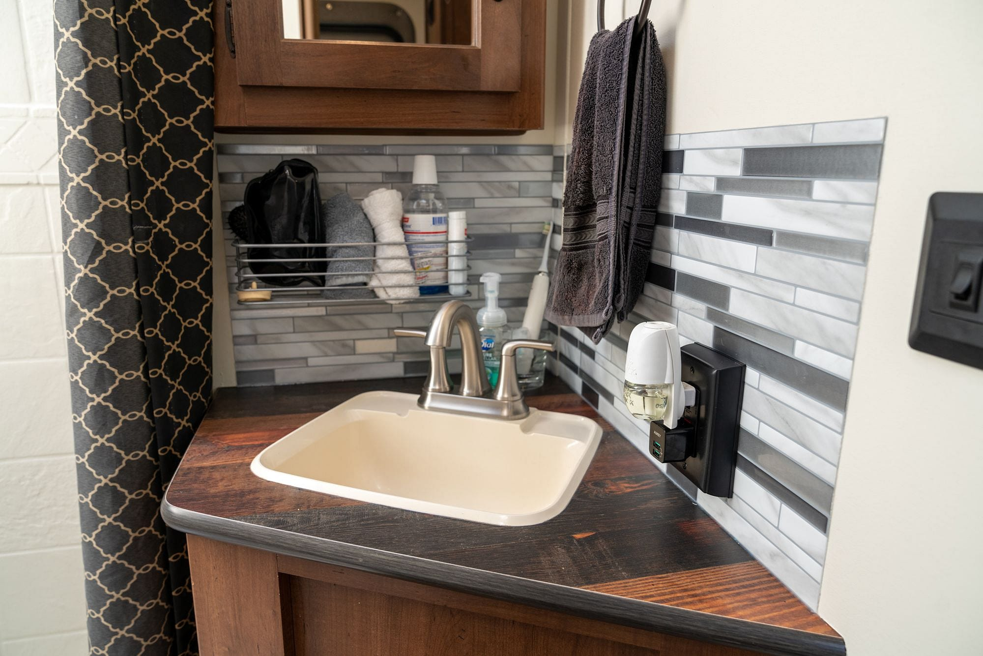 RV Bathroom Backsplash