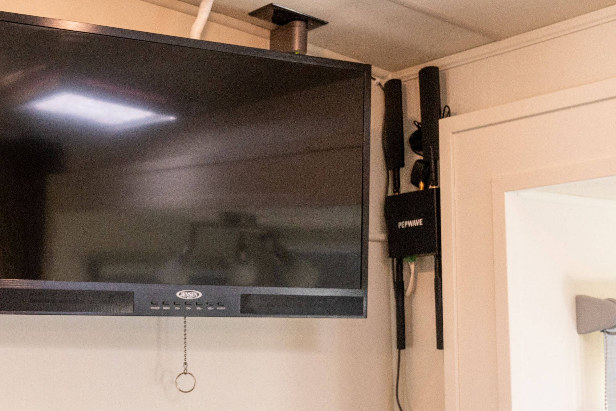 Pepwave MAX BR1 Wall Mount RV